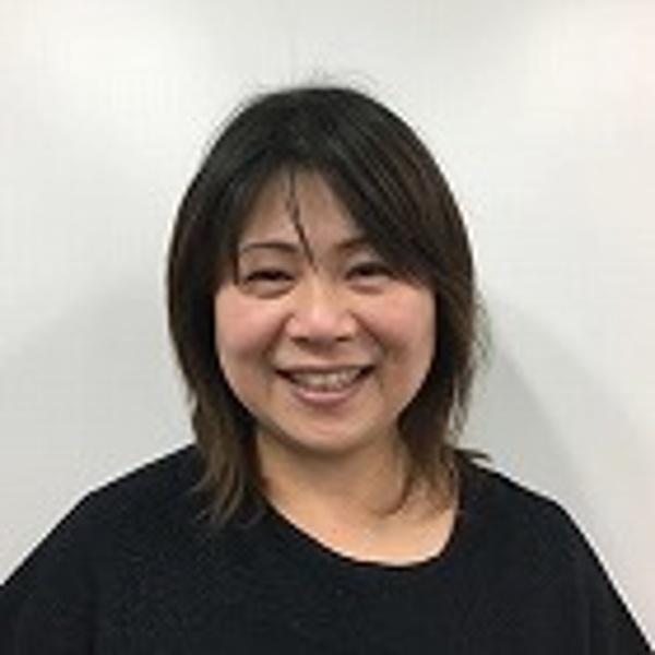 﨑山 由紀さん